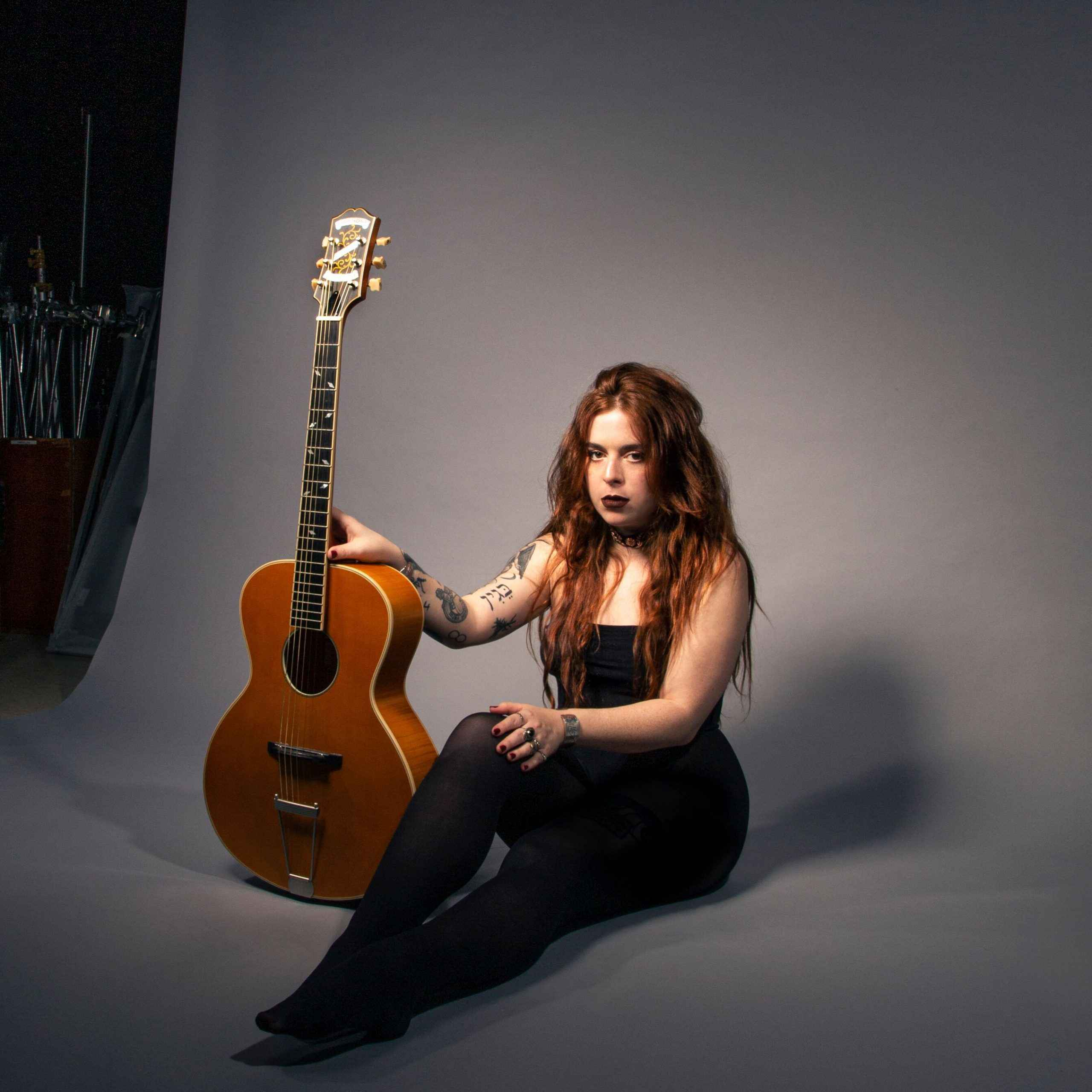 Kim Logan and the Silhouettes. Rotosound player artist female guitarist